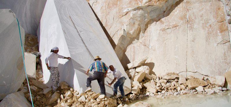 cava lastra marmo mosti art sculptures laboratorio lavorazione marmo massa carrara alessandro mosti